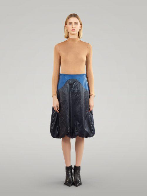 Oval shape skirt